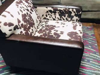 Accent Chair   Delivery Available for Sale in Queens,  NY
