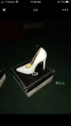 Heels size 5 for Sale in Azusa, CA