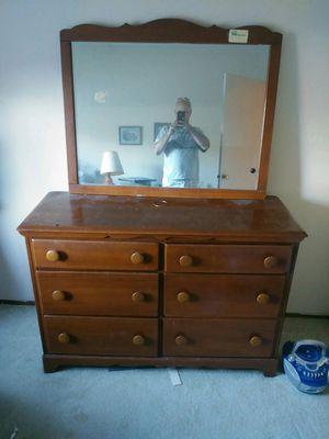 Dresser and mirror for Sale in Pleasanton, CA