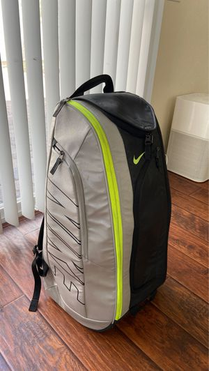 Nike Court Tech 1 Silver Black Tennis Backpack for Sale in Las Vegas, NV