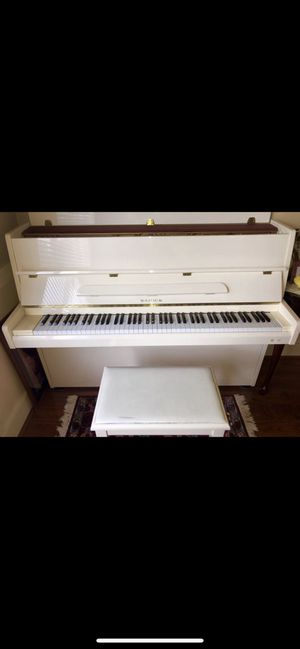 Samick Piano- Never use since I brought. Delivery plus $160 for Sale in Renton, WA