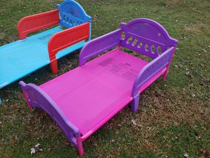 Very used toddler beds for Sale in Bridgeport, WV
