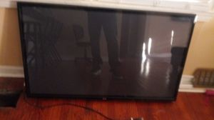 LG 50 inch tv & remote $150 WALL MOUNT ON BACK for Sale in Decatur, GA