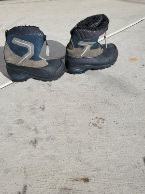 Kids Snow Boots Size 6 toddler for Sale in El Monte, CA
