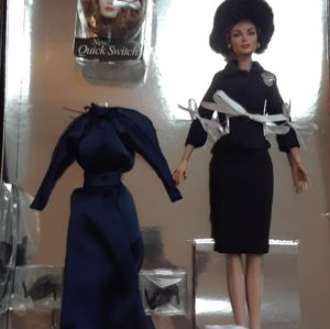 Joan Crawford collectible Mommie Dearest doll Integrity toys for Sale in Tinton Falls, NJ