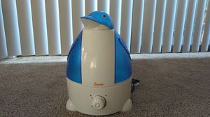 Crane Cool Mist Humidifier for Sale in Renton, WA