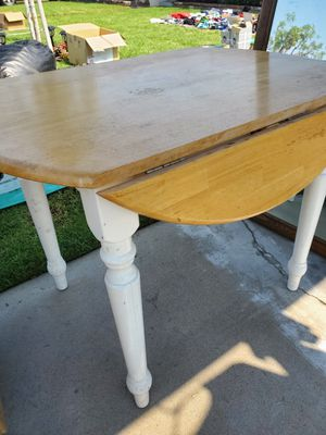 Kitchen table , with folding sides. Good for small studio for Sale in Anaheim, CA