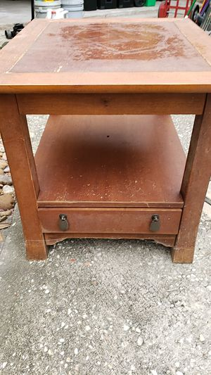 End table with drawer for $20 for Sale in Spring, TX