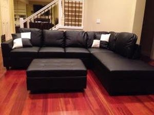 Brand NEW sectional couch on sealed box never open with 2 free pillows and ottoman Delivery 🚚 for Sale in Portland, OR
