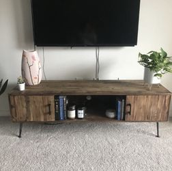 Solid Wood TV Console/stand for Sale in Kent,  WA