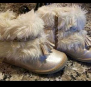 Toddler Girls Furry Boots - Size 7 T for Sale in Greenville, SC