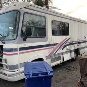 22ft Flair Motor Home Made By Fleetwood LLC Must Sale for Sale in Vista, CA