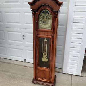 grandfather clock for Sale in Waldorf, MD