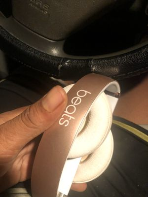 Gold pink beats wireless 3 for Sale in Los Angeles, CA