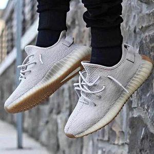 Adidas Yeezy sesame size 10 for Sale in Fontana, CA