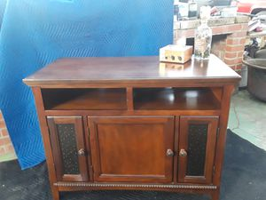 Beautiful wood TV stand w/ storage for Sale in Pittsburg, CA