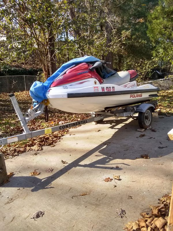 200mph en el jet ski!! Up for sale my nice jet ski. It's good condition and isn't nothing wrong with it.
