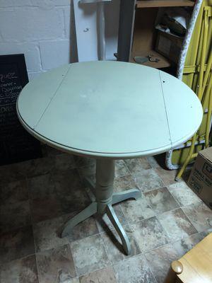 Breakfast table w/folding sides for Sale in Trenton, NJ