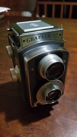 Vintage Graflex 22 Camera w/ Graftar 85mm f:3.5 Lens for Sale in McDonough, GA