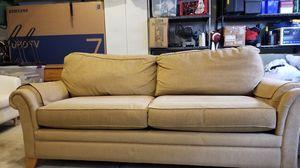 La-z-Boy queen size inflatable sleeper sofa for Sale in Alexandria, VA