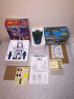 Vintage 1985 Robotech transformer figures toy robots mint nrfp for Sale in Brooklyn, NY