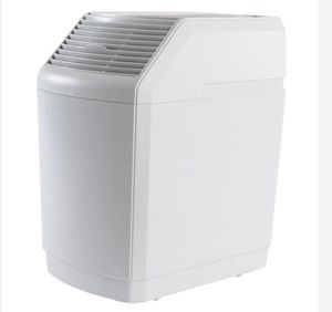 AIRCARE 6-Gal. Evaporative Humidifier for 2700 sq. ft. for Sale in Richardson, TX