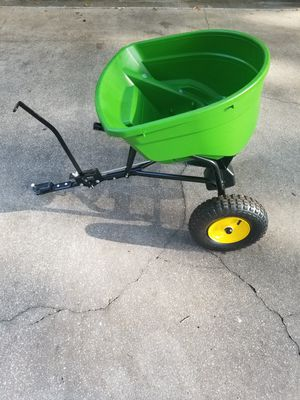 JOHN DEER SEED SPREADER for Sale in Zephyrhills, FL
