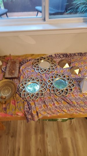 Assortment of gold wall hangings for Sale in Austin, TX