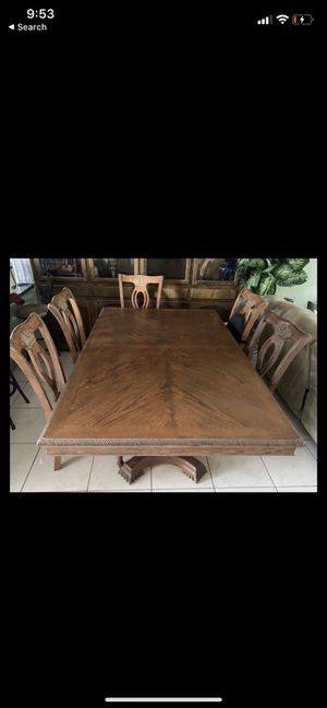 Dining room table for Sale in View Park-Windsor Hills, CA