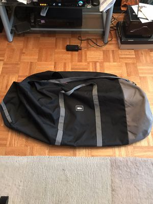 REI DUFFLE BAG 40 inches long for Sale in New York, NY