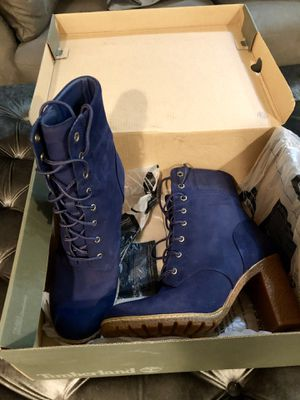 Timberland women's glancy 6-inch boots size 10 for Sale in Brooklyn, NY