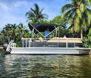 Sandbar & Sightseeing Pontoon Boat - 11 People for Sale in North Miami Beach, FL