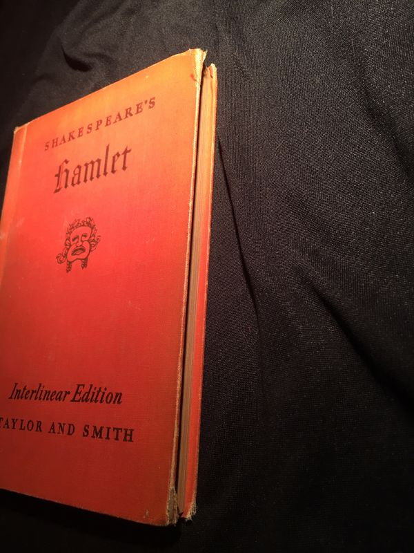 Hamlet Shakespeare's Interlinear Edition Taylor and Smith HARD BACK BOOK No Dust jacket SEE PICTURES BUY AS IS