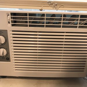 General Electric 5k BTU AC Unit for Sale in Lakewood, OH