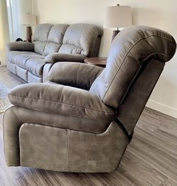Power Reclining Sofa and Power Recliner for Sale in Scottsdale,  AZ