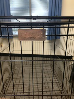 Petco LARGE dog crate w/training divider for Sale in FX STATION, VA