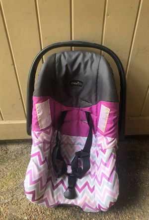 Baby car seat- no base (base I not needed though) for Sale in Ridgeland, MS