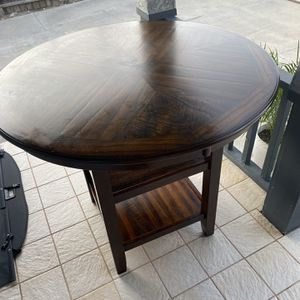 Round Table for Sale in San Diego, CA