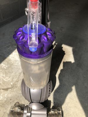 Dyson Vacuum Cleaner DC 65 Animal fully working with accessories cash only pickup only for Sale in Franklin, TN