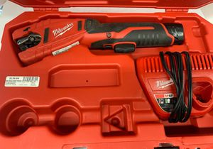 Milwaukee cordless copper tubing cutter for Sale in Dallas, TX