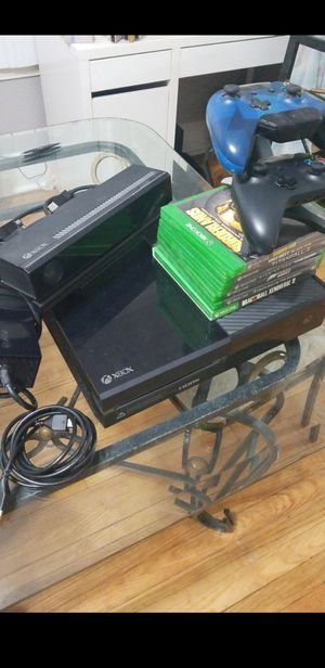 Xbox one Bundle for Sale in Chicago, IL