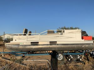 20' pontoon boat for Sale in San Tan Valley, AZ