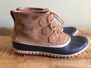 Like new W 8.5 Sorel Out 'N About Leather Duck Boot for Sale in Arlington, VA