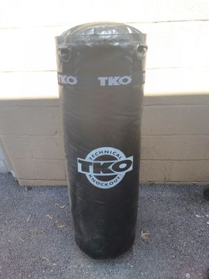 TKO punching bag for Sale in Grove City, OH
