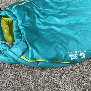 Mountain Hardware Synthetic Sleeping Bag for Sale in San Diego, CA