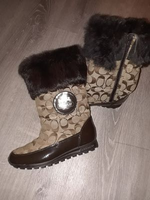 COACH Snow Boots w/Fur for Sale in Philadelphia, PA