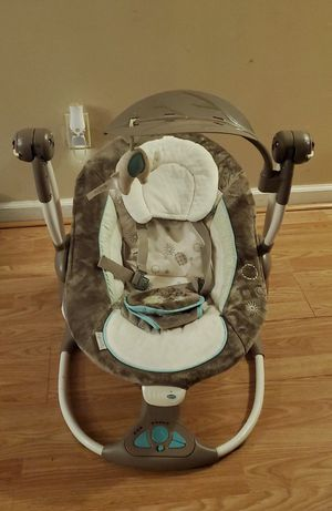 baby rocking chair for Sale in Cleveland, OH