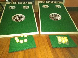 Michelob Ultra Chippo Golf Game Set w balls & Putter for Sale in San Antonio, TX