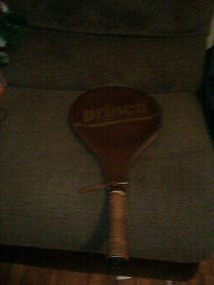 Prince international 110 tennis racket for Sale in Chicopee, MA