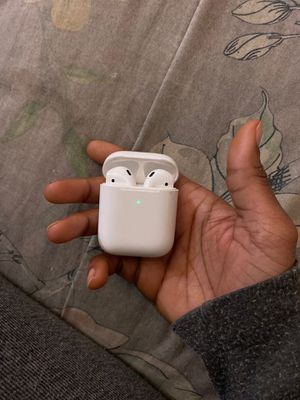 2nd gen airpods for Sale in Camp Springs, MD